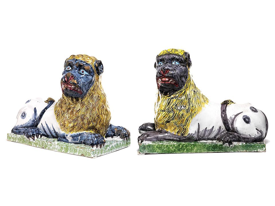 Paar große Fayence-Löwen