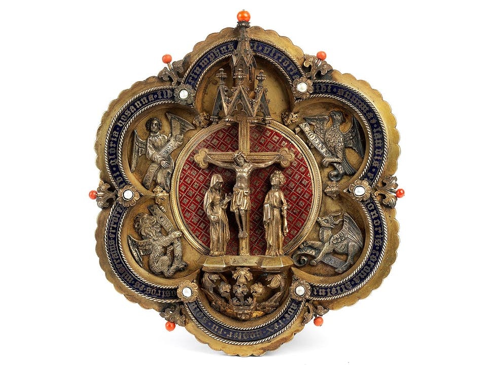 Seltene Aachener Chormantelschließe im gotischen Stil