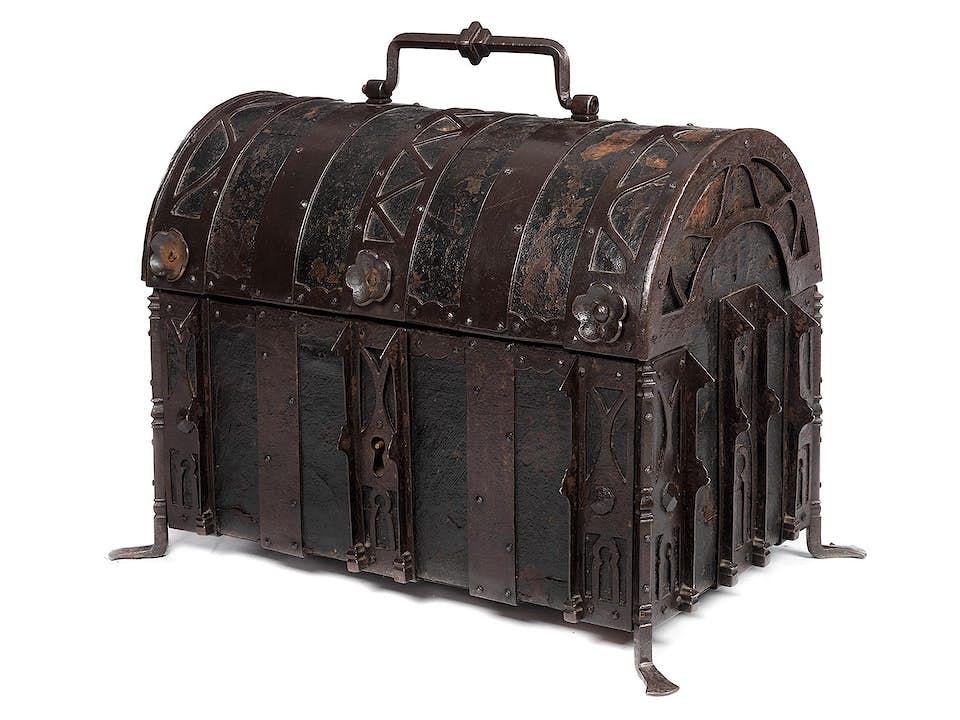 Spätgotische Koffertruhe