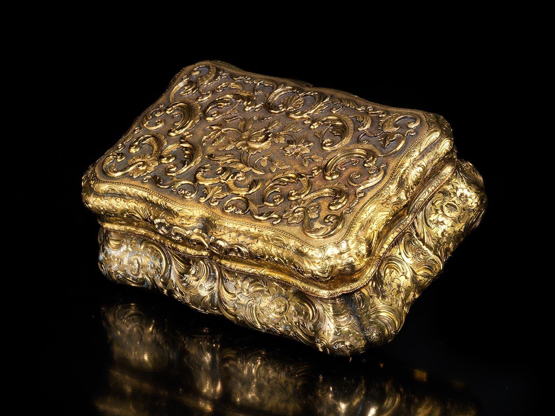 Eine Sammlung Golddosen