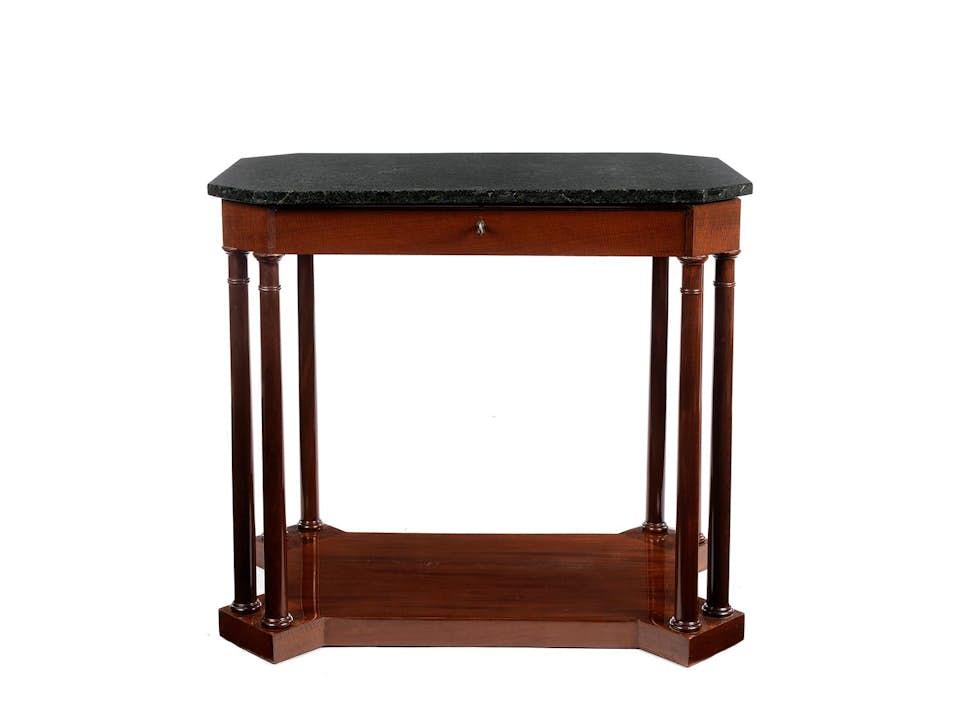 Seltener Empire-Tisch
