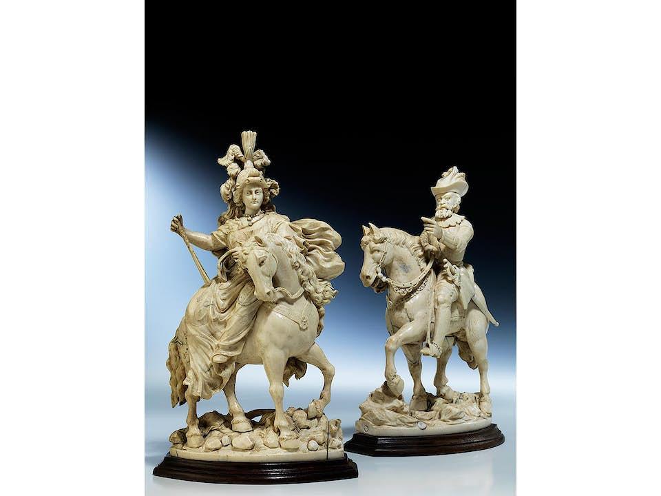 Elfenbeinfigurenpaar: Fürst und Fürstin zu Pferde