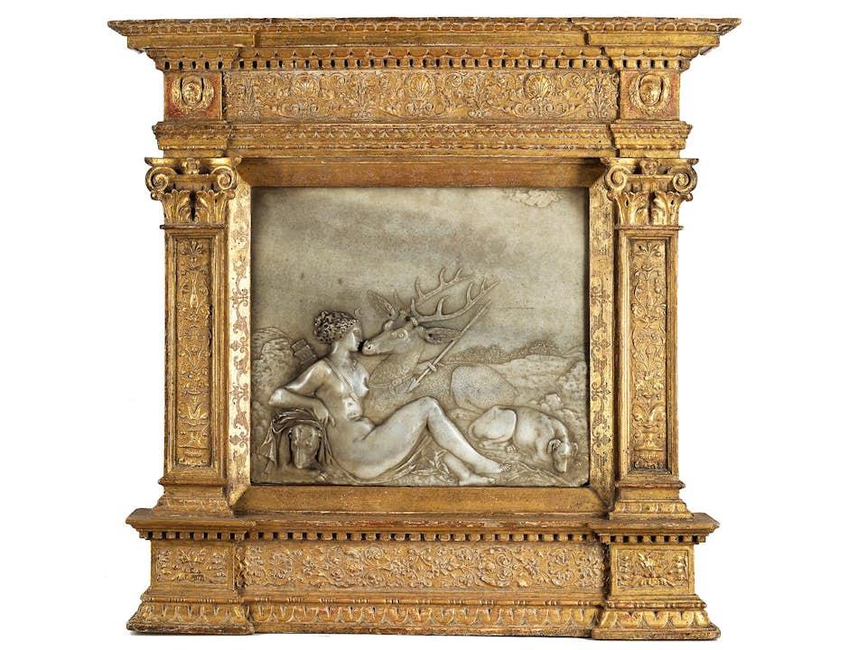 Museales Marmorrelief der Schule von Fontainebleau des 16. Jahrhunderts