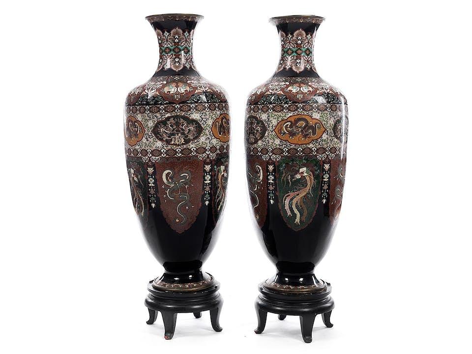 Paar sehr große Cloisonné-Vasen