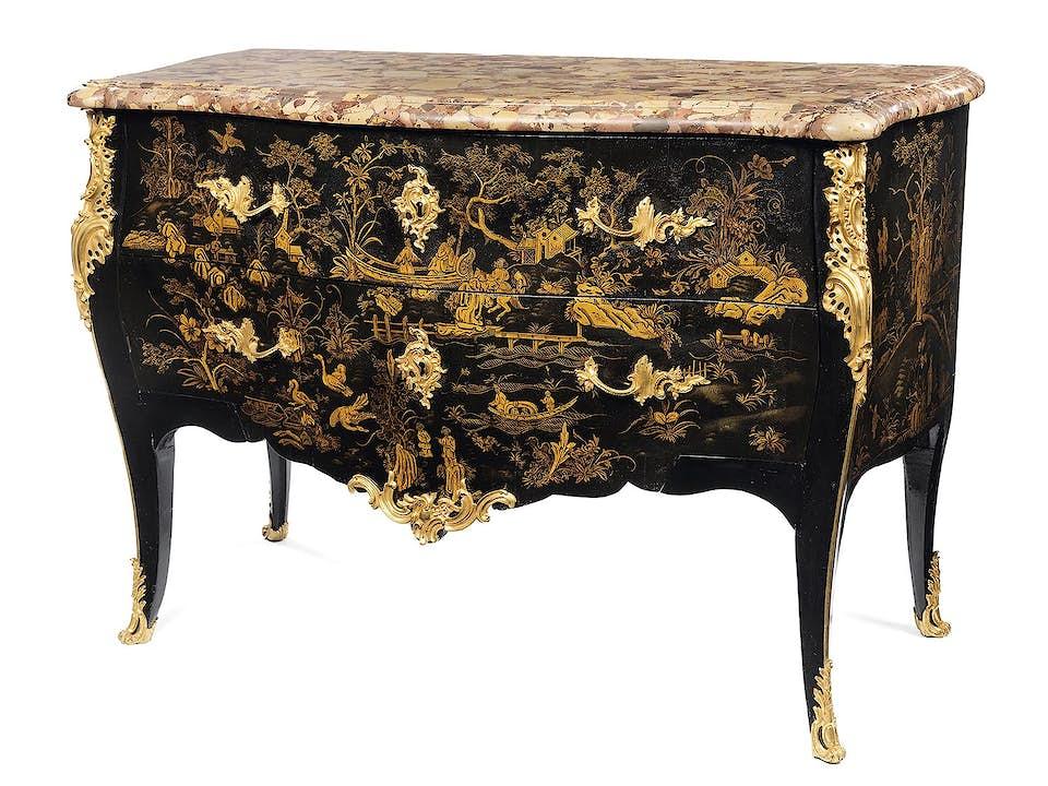 Elegante Louis XV-Schwarzlackkommode mit Goldmalerei