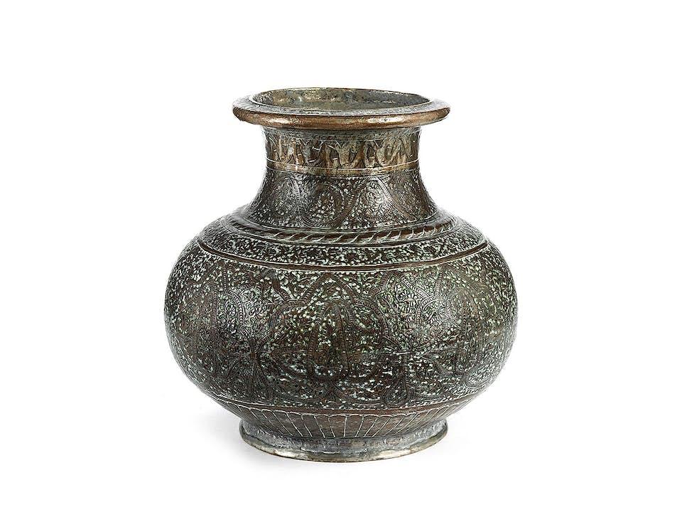 Persische Vase mit Bothe-Dekor