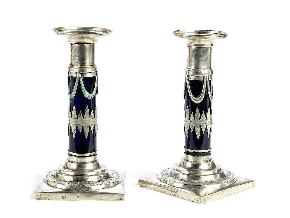 Paar klassizistische Kerzenständer