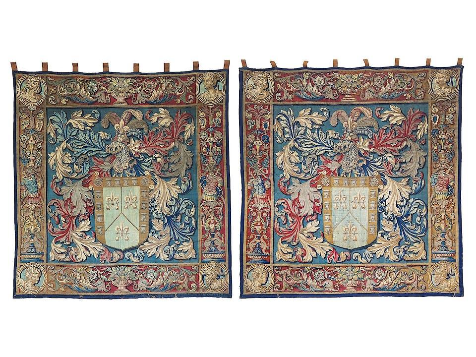 Paar Brügger Tapisserien mit dem Wappen der Familie de Nagera