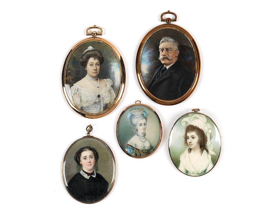 Konvolut von fünf Miniaturen