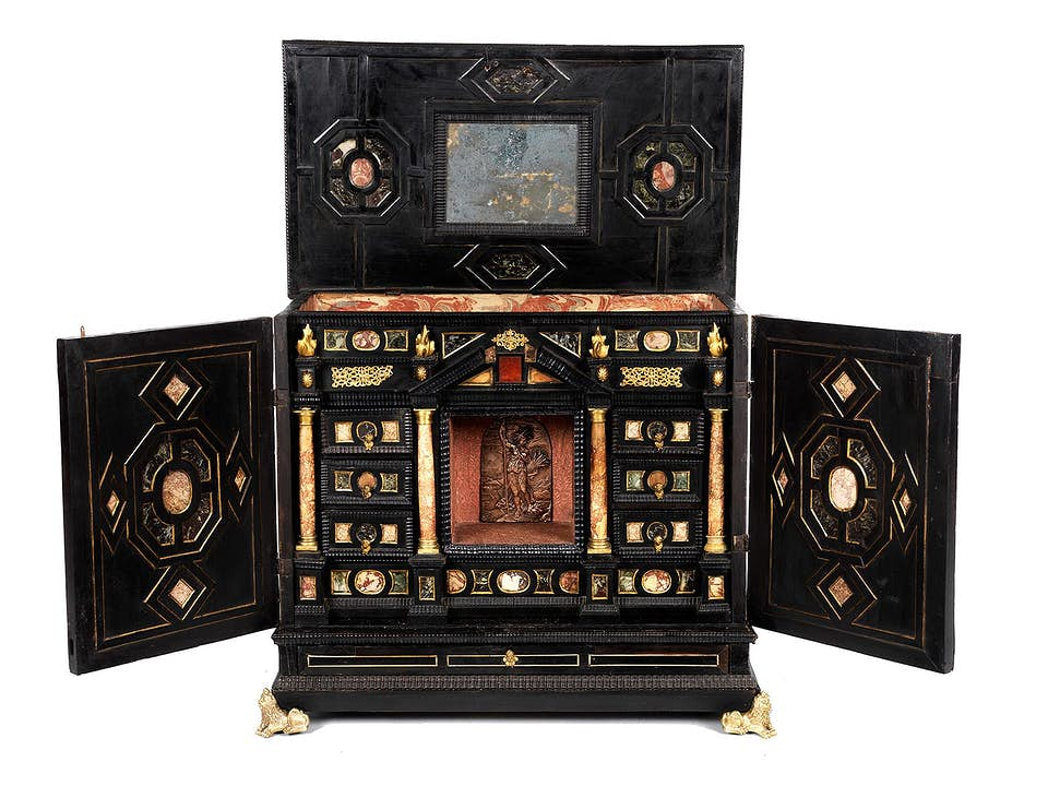 Barockes Kabinett mit Ruinenmarmor