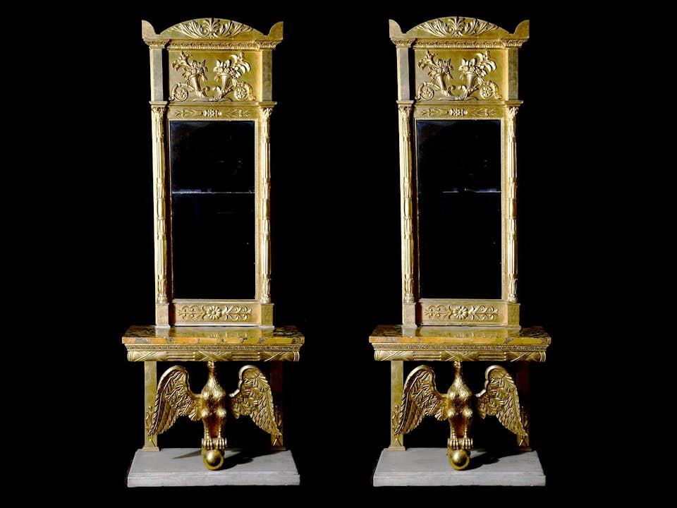 Paar Empire-Spiegelkonsolen