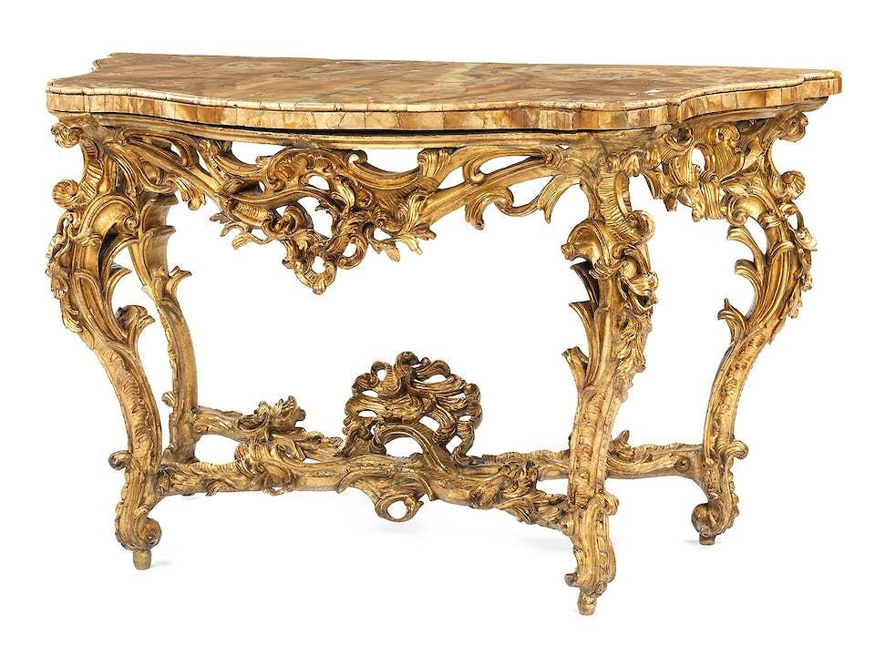 Aufwendig gestaltete Louis XV-Konsole