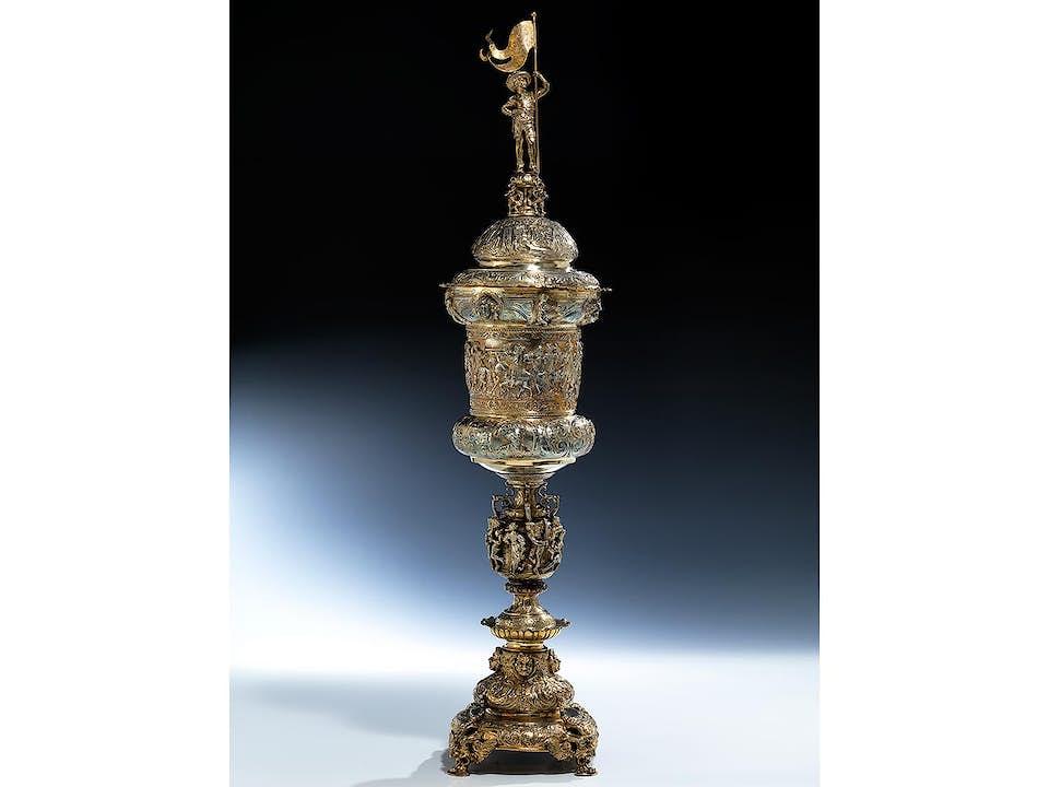 Silberpokal mit Fürstenzug