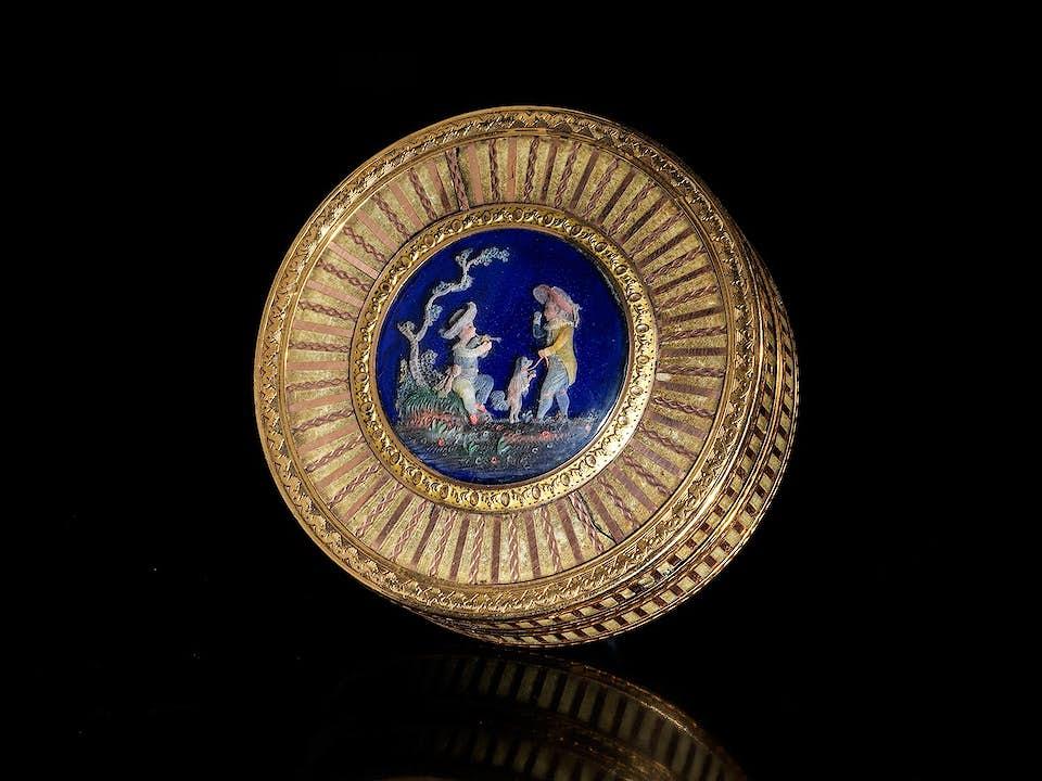 Louis XVI-Golddose mit Wachsfiguren