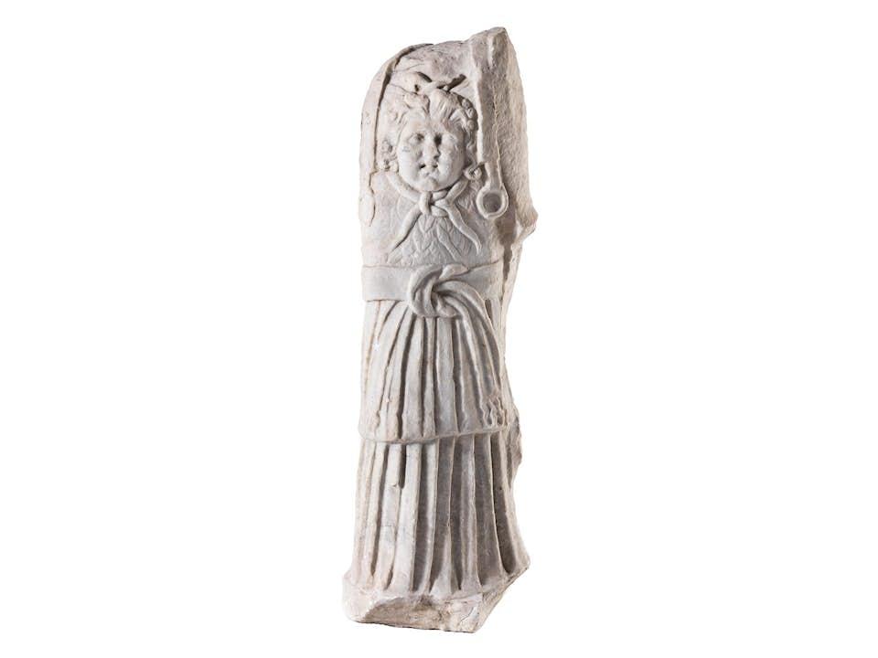 Römische Statue eines Mannes in Rüstung