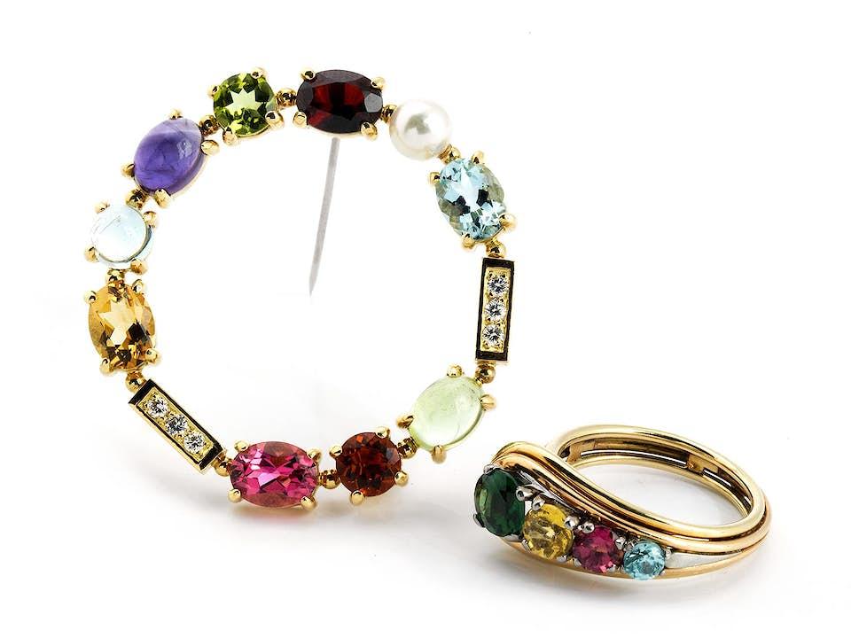 Multicolorbrosche und -ring
