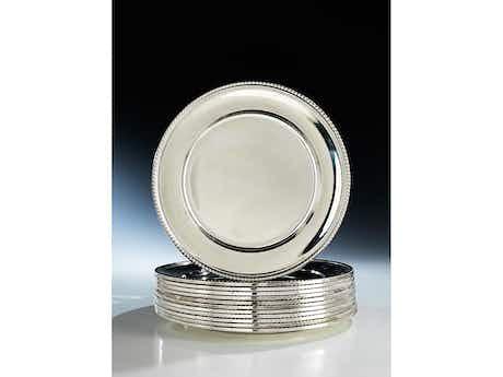 Zwölf Silberteller