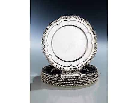Siebenpassige Silberteller