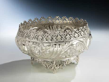 Große orientalische Silberschale