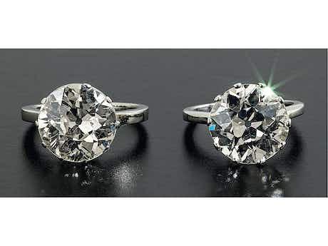 Zwei große Diamant-Solitärringe