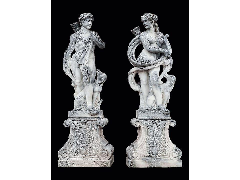 Paar Jagdskulpturen: Artemis und Apollon