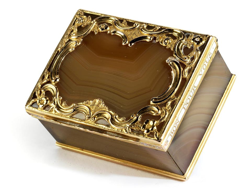 Achatschatulle mit Goldmontierung