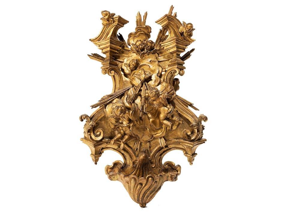 Großer geschnitzter und ganz vergoldeter Weihwasserkessel des Hochbarocks