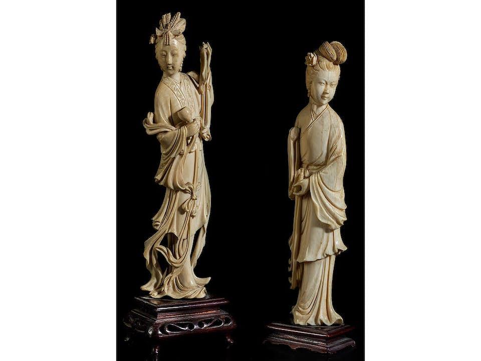 Zwei Geisha-Figuren