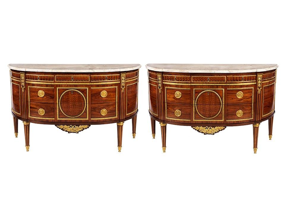 Paar Louis XVI-Demi lune-Kommoden