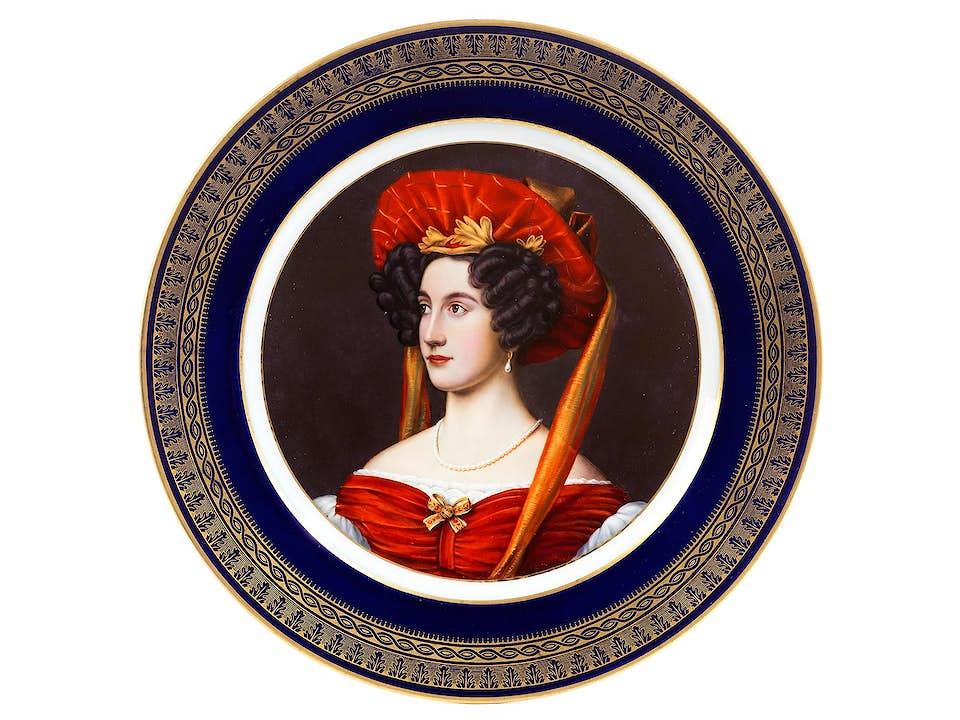 Portraitteller Isabella Gräfin Tauffkirchen