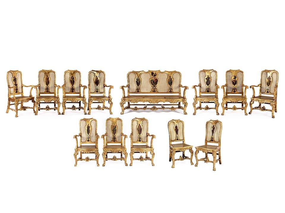Hochdekorative Salonmöbel im Louis XV-Stil