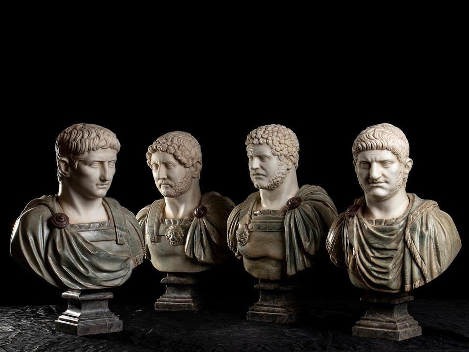 Vier Imperatorenbüsten