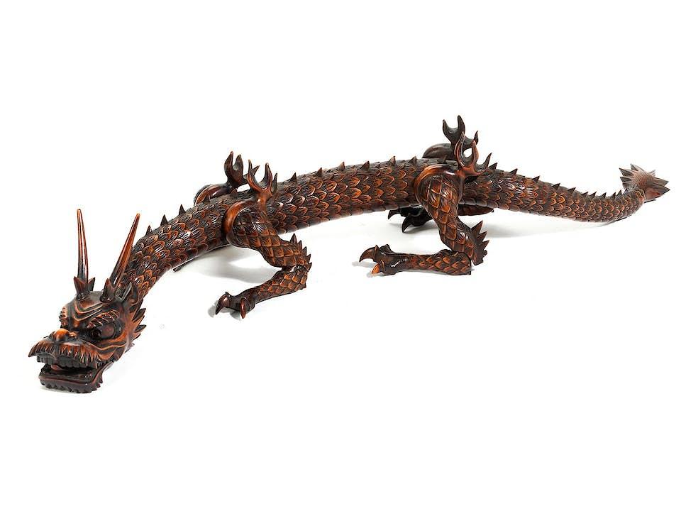 Bewegliche Figur eines Drachen