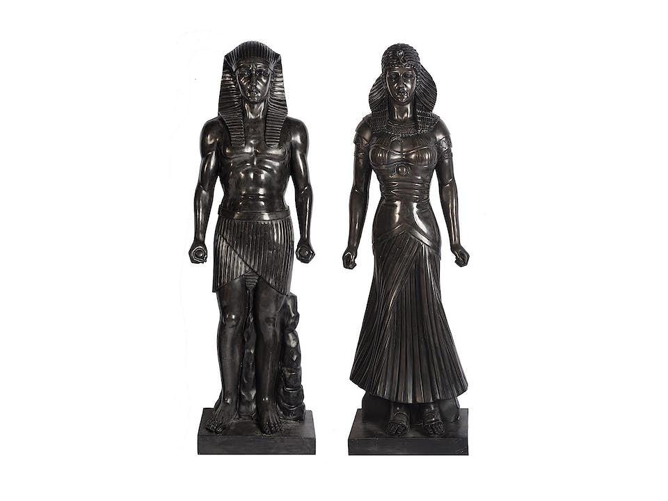Paar ägyptisierende Figuren